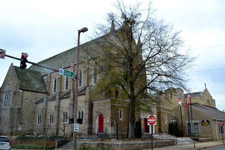 Christ Church Little Rock  Photo fromhttp://www.ship-of-fools.com/mystery/2013/2554.html Photo by Buddy Rogers